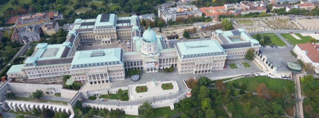 Blick auf den Burgpalast in Budapest