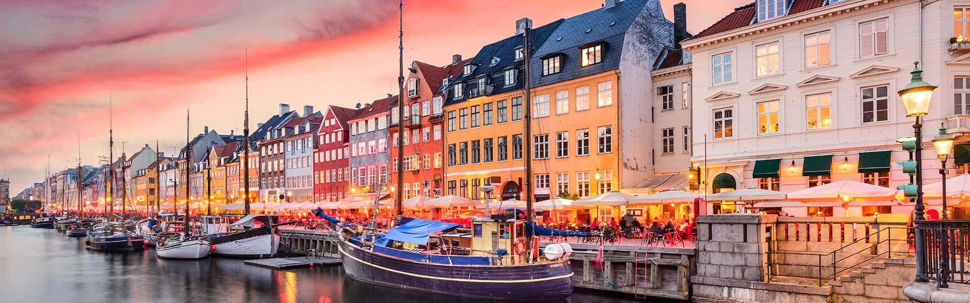 Willkommen in Nyhavn, in der Stadt Kopenhagen, Dänemark