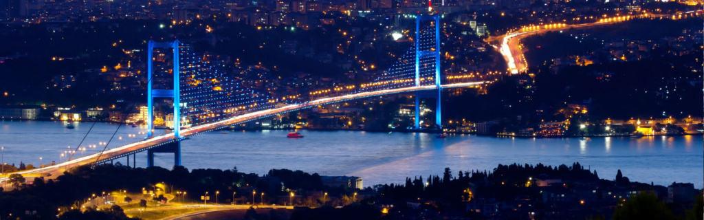 Sehr beeindruckend: die Istanbul Brücke am Bosporus