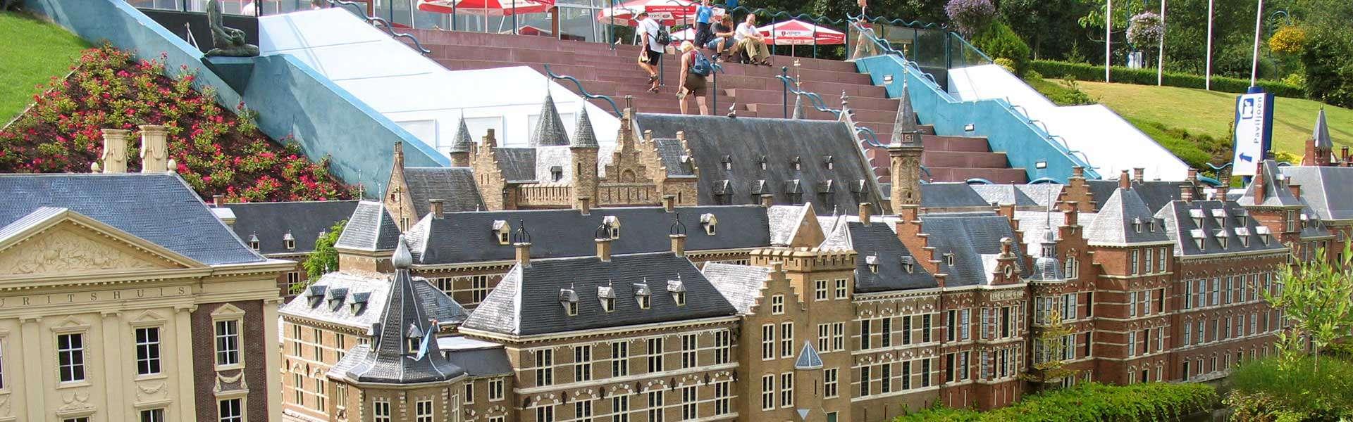 Nicht nur für die Kleinsten: Der Miniaturpark Madurodam in Den Haag Holland