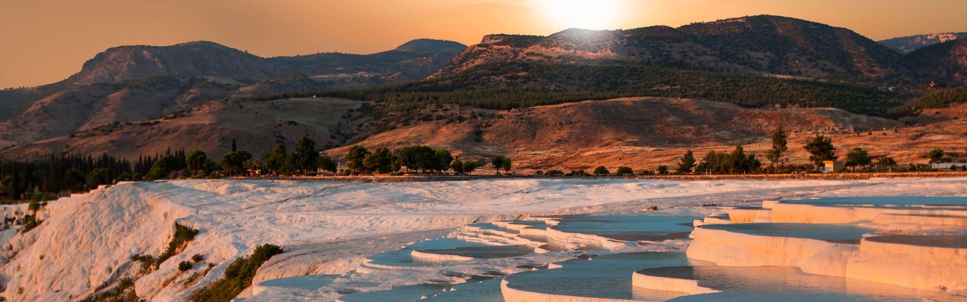 Atemberaubend schön: die Kalkterrassen von Pamukkale, Türkei