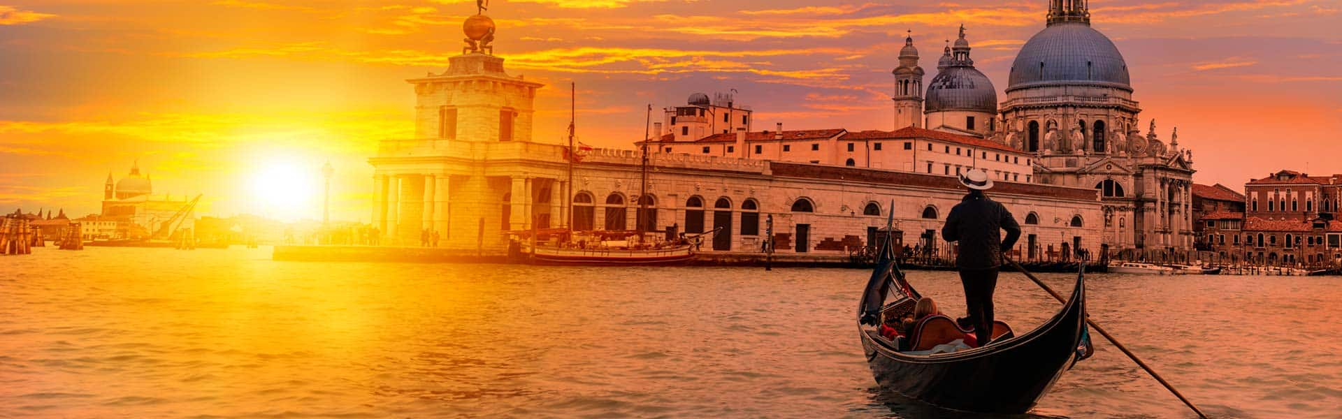 Einfach mal die Seele baumeln lassen – und andere arbeiten. Auf einer Gondelfahrt Venedig