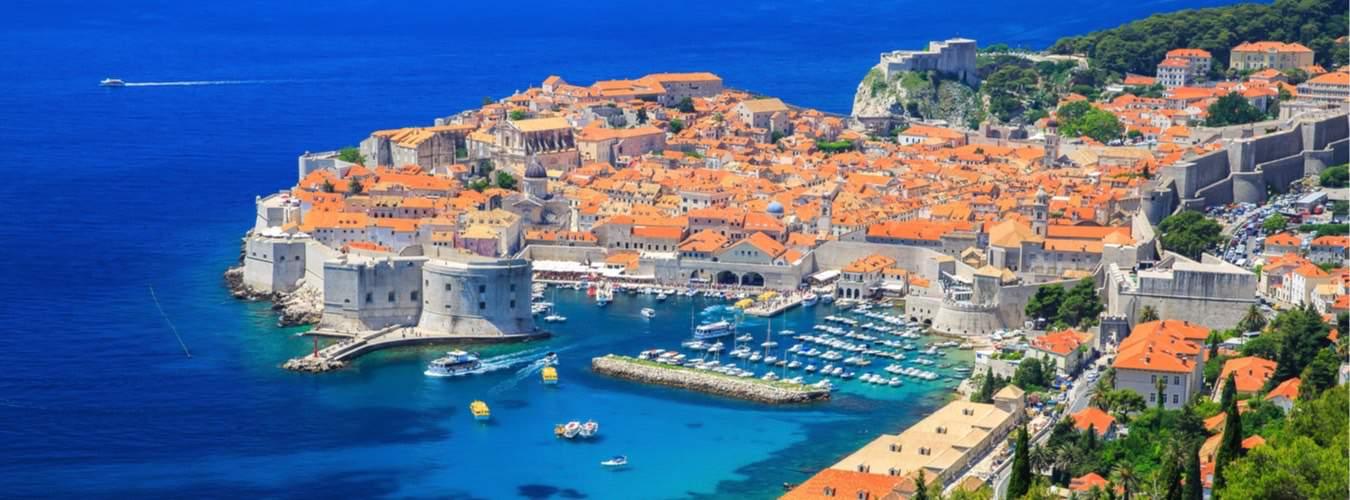Blick auf die Altstadt von Dubrovnik - Schöne Urlaubsziele in Südeuropa