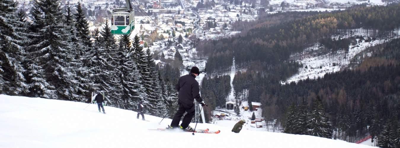 Tschechische Sehenswürdigkeiten - Blick auf Skigebiet